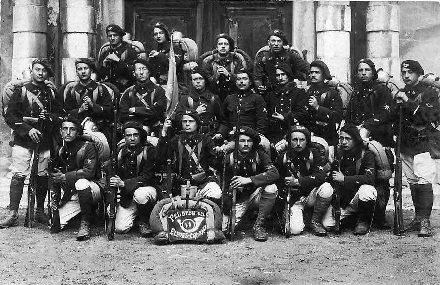 Élèves caporaux du 11e BCA d'Annecy (site ledauphine.com)