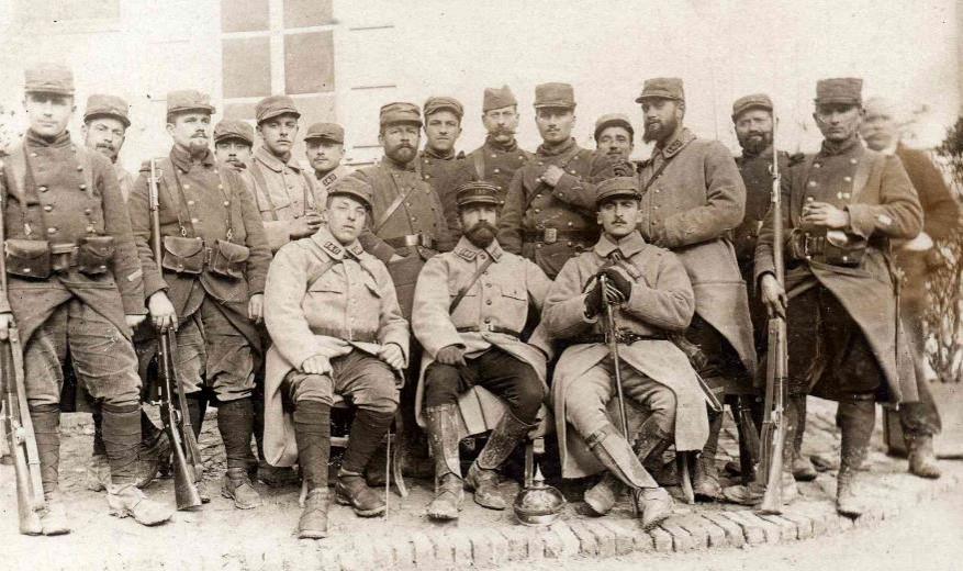 Le capitaine Bérenger et ses hommes du 140e (site lagrandeguerre.cultureforum.net)