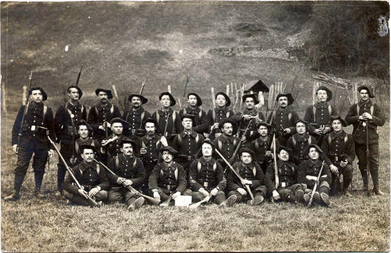 Elèves caporaux du 22ème BCAP (site alpins.fr)