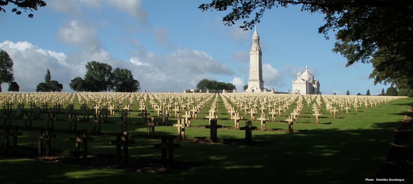 Le cimetière militaire de Notre-Dame-de-Lorette (site photo Detelder Dominique)