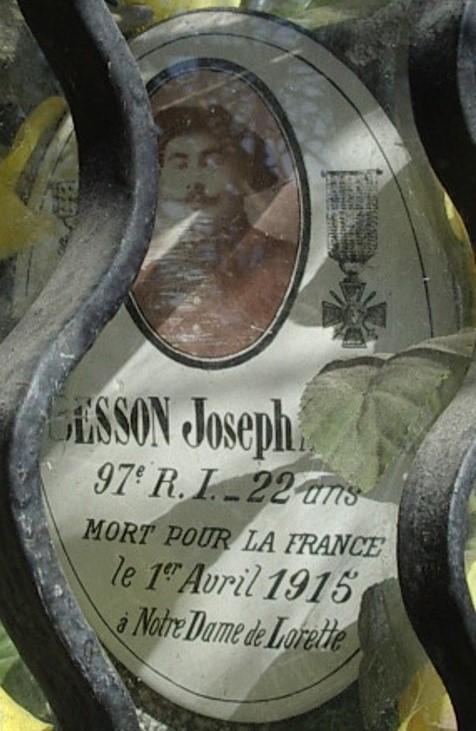 Médaillon de Joseph Besson placé dans l'oratoire de Cran (cliché Bernard Théry)