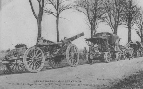 Une batterie d'artillerie lourde (120 Long) se rendant au front après Verdun (site etab.ac-poitiers.fr)