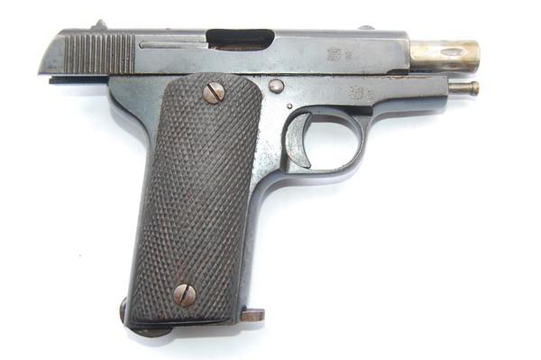 Pistolet espagnol Ruby de 7,65 mm (site poilumartinique)