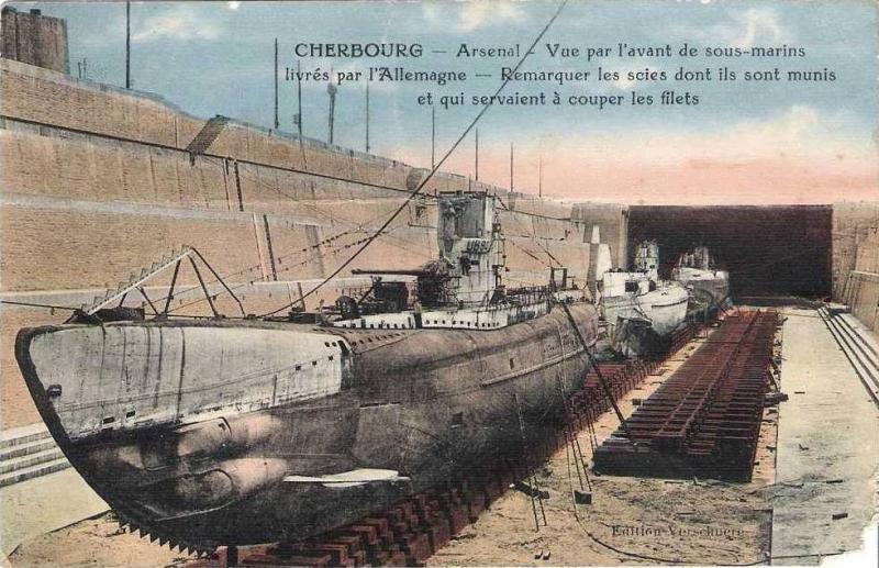 Arsenal de Cherbourg : vue par l'avant de sous-marins livrés par l'Allemagne (site pages14-18)