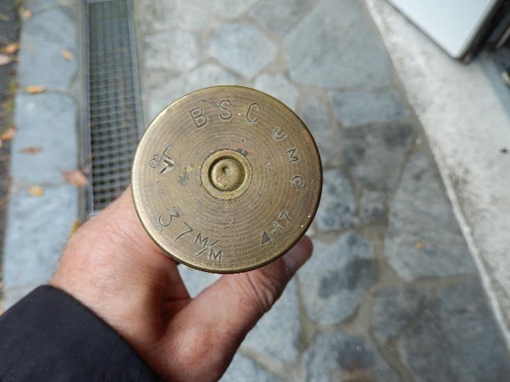 Culot d'obus français de 37 mm (Doc. Françoise Demange, Passy)