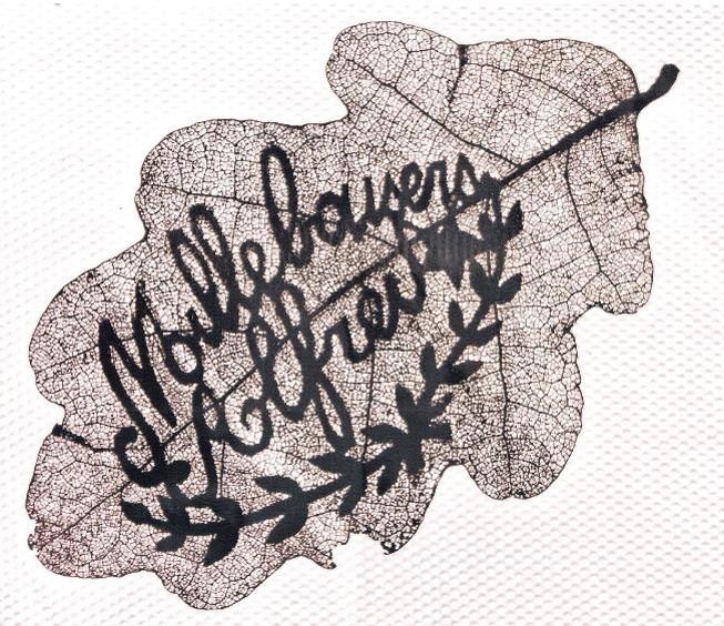 """Feuille de chêne « sculptée » par le Haut-Savoyard Alfred Laperrière à Salonique pendant la Grande guerre : """"Mille baisers"""" (Doc. Jeannette Lassauce, Passy, les Soudans)"""