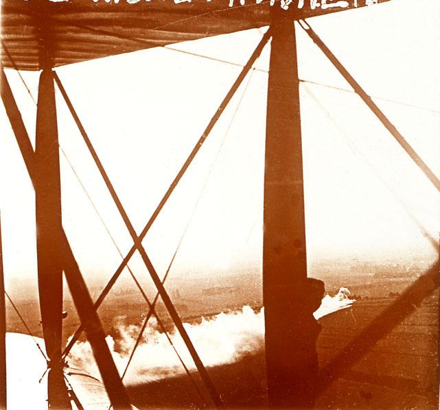 Attaque au gaz vue d'avion (site antoinecornet.free.fr) Attaque au gaz vue d'avion (site antoinecornet.free.fr) Attaque au gaz vue d'avion (site antoinecornet.free.fr)