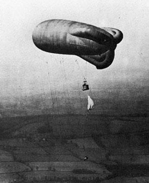 Ballon d'observation ou « saucisse » avec nacelle d'observation (site mesracinesfamiliales)