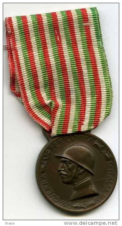 Distintivo per le fatiche di guerra (site Delcampe)