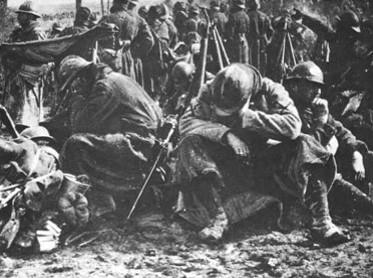 Soldats épuisés (site lesfrancaisaverdun)
