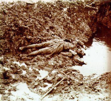 Cadavre de soldat (site muad.com)