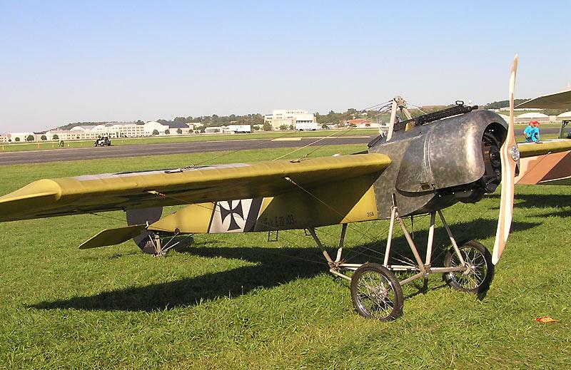 Réplique du Fokker E. III en 1915 (Wikipedia, art. Fokker E. III)