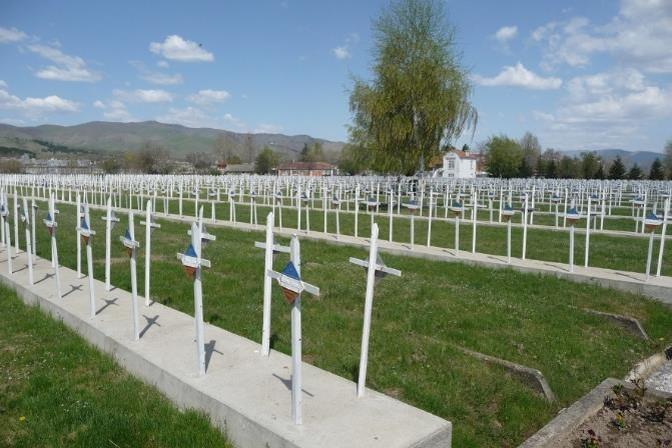 Cimetière militaire français à Bitola (ex Monastir) en Macédoine serbe.(Photo de Gilles LE PENGLAOU, CGHP, sur le site genealogie22.com)