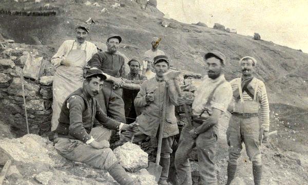 En Macédoine, groupe de combattants de l'Armée d'Orient (site enenvor.fr)