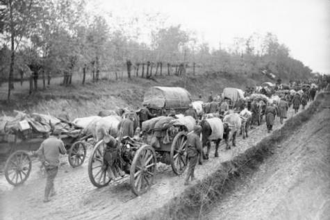 L'armée serbe lors de son repli vers l'Albanie, en 1915. (site lesoir.be)