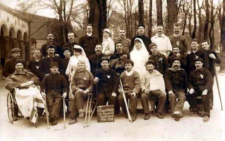 Infirmières à l'Hôpital militaire, 56-Vannes 1914-1915 (site 87dit.canalblog.com)