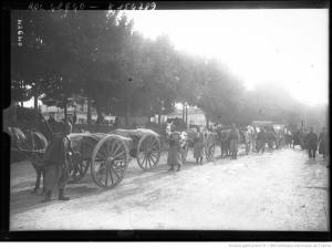 Train d'équipage de zouaves en 1914 (Agence photographique Rol.- Gallica.bnf.fr / BNF, site culture41.fr/Centenaitre-1914-1918)