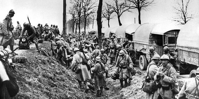 Soldats descendant des camions (site racontemoi1418.fr, page lettres de poilus)