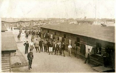 Baraques du camp de Freidrichsfeld (Site genealexis.fr)