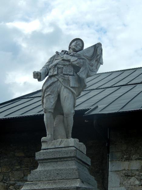 Statue du monument aux morts de Passy (cliché Bernard Théry)
