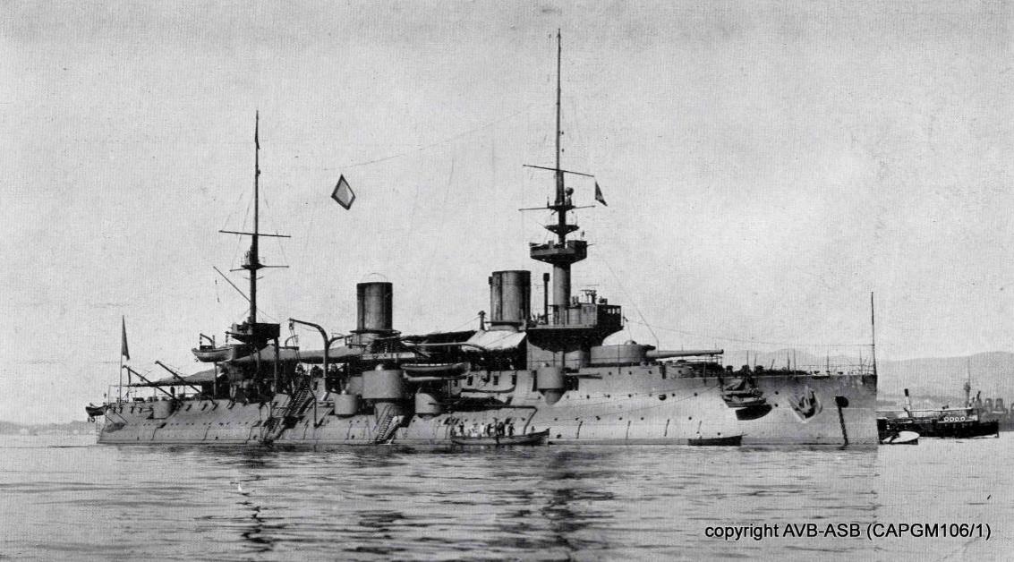 Le cuirassé Bouvet, coulé en 1915 (site 14-18.bruxelles.be)
