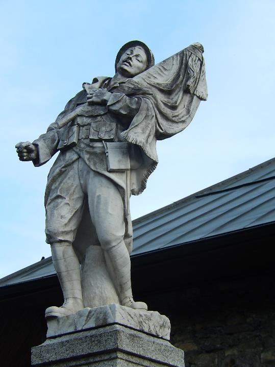 La statue du monument aux morts de Passy (cliché Bernard Théry)
