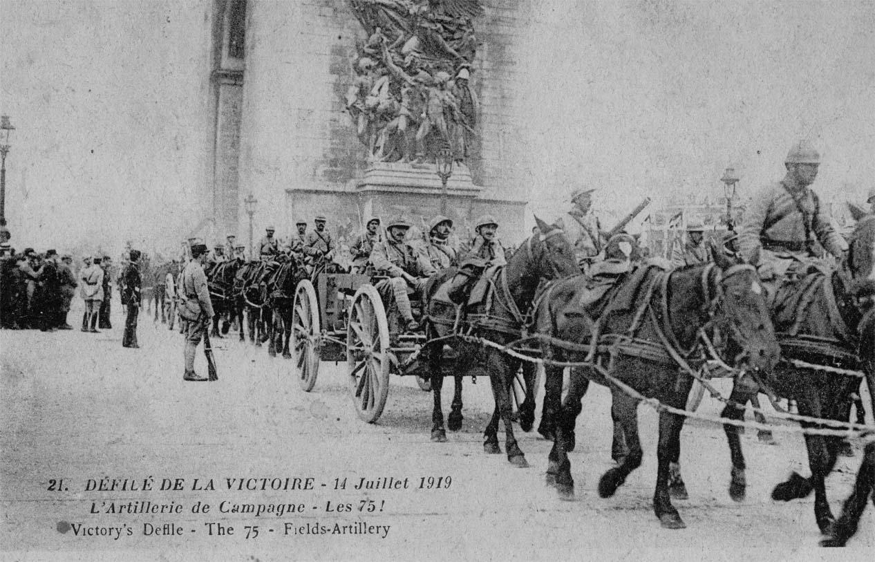 Défilé de la Victoire, 14 juillet 1919 : l'Artillerie de campagne, les 75 ! (site guy.joly1.free.fr)