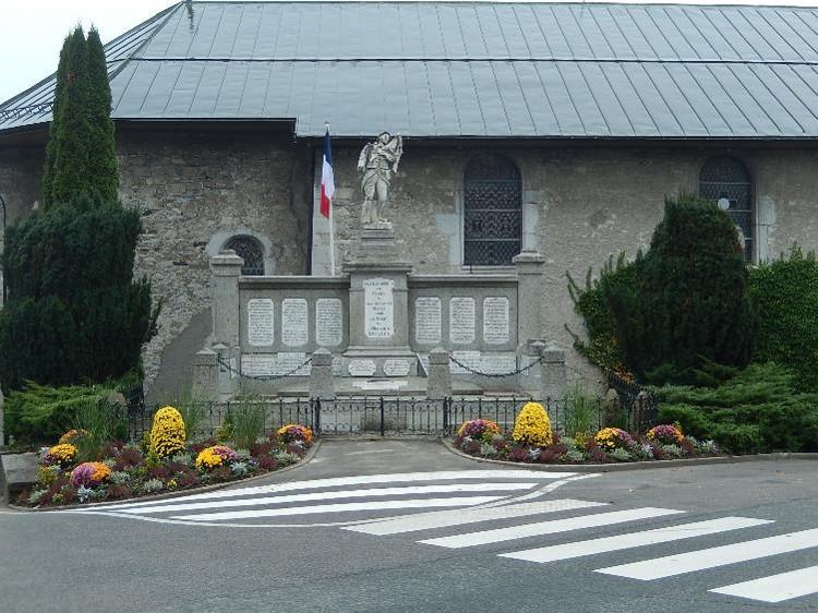 Travaux de consolidation du monument aux morts de Passy : vue d'ensemble (cliché Bernard Théry, 30 octobre 2016)