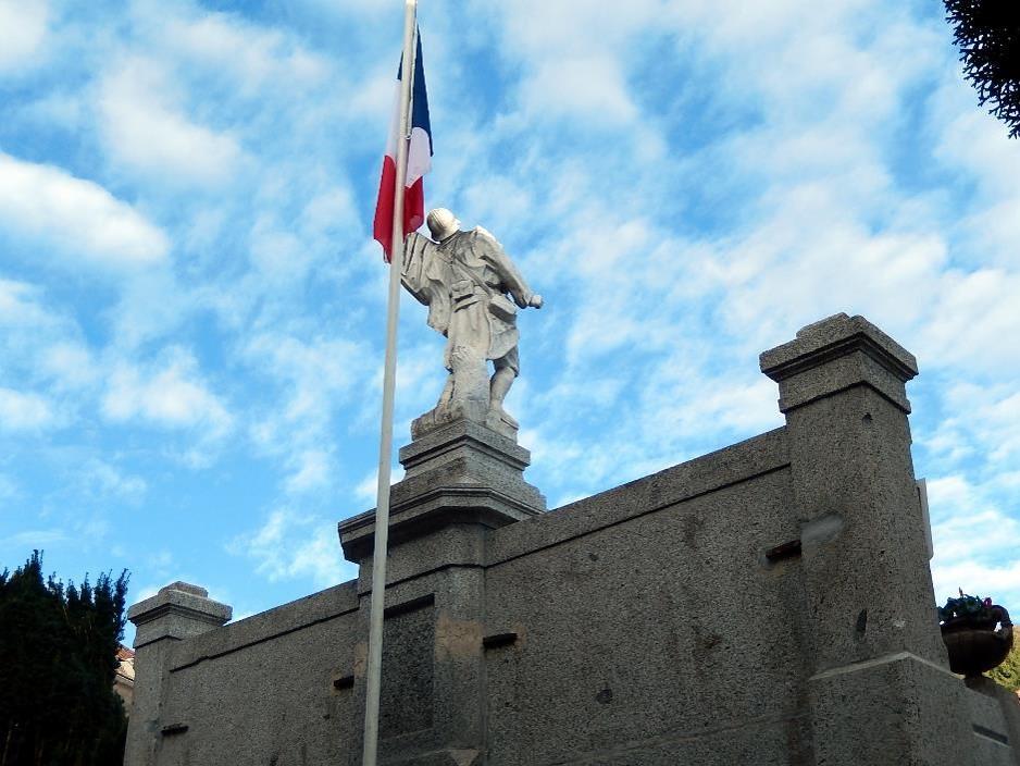 Monument  aux morts de Passy (cliché Bernard Théry, 13 novembre 2016)