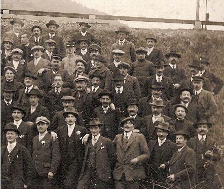 Anniversaire de l'Armistice. Passy, 9 novembre 1919. Partie droite (Document famille Devillaz, Passy)