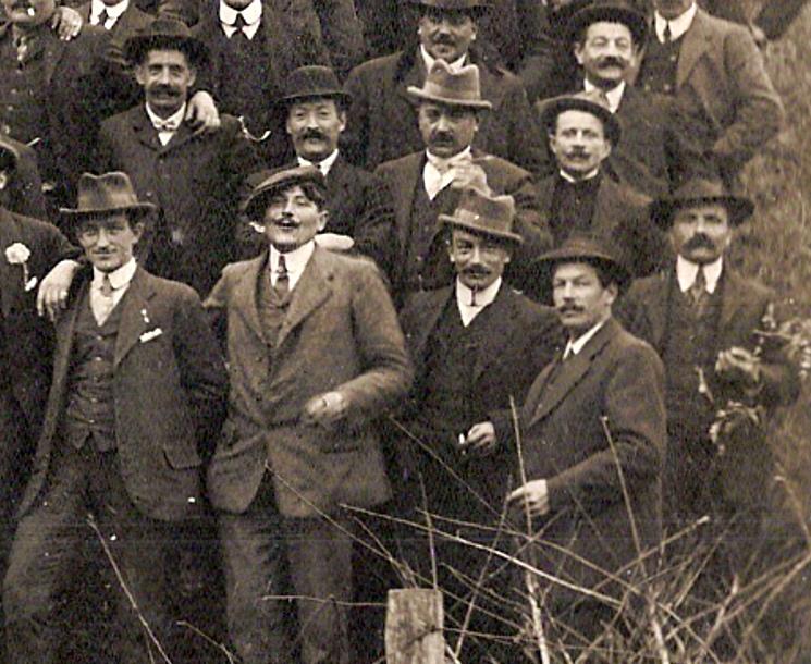 Anniversaire de l'Armistice. Passy, 9 novembre 1919. Partie droite en bas (Document famille Devillaz, Passy)