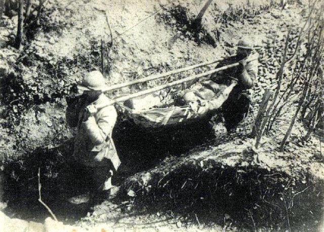 Brancardiers de la Grande Guerre (site chez-ritou.fr/1418)
