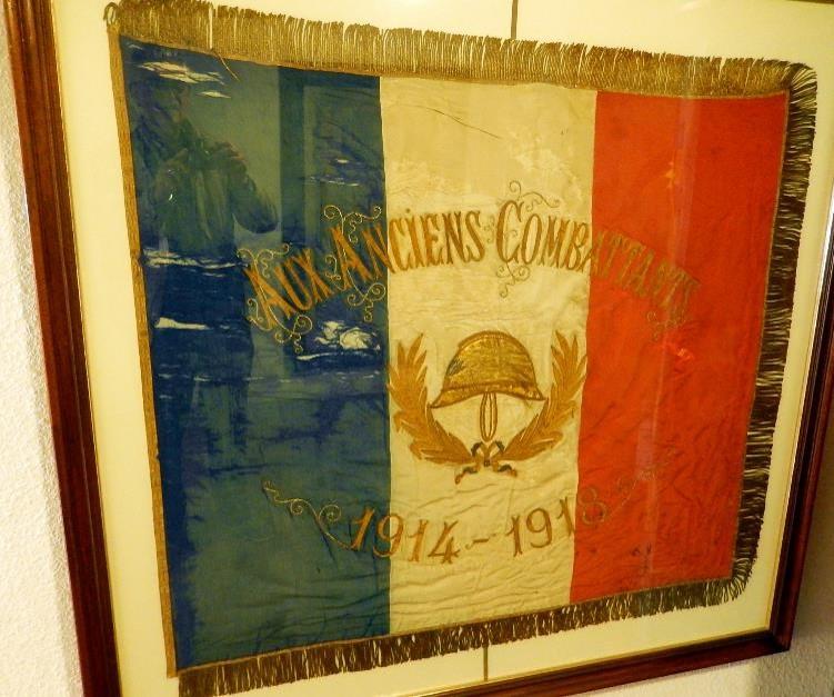 Drapeau des Anciens combattants de Passy, 1914-1918 (cliché Bernard Théry)
