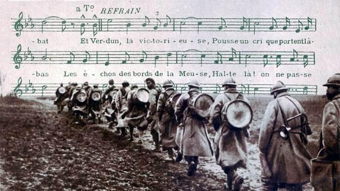 La clique. Refrain : « Et Verdun, la victorieuse, Pousse un cri que portent là-bas Les échos des bords de la Meuse, Halte là ! On ne passe pas » (site linflux.com, page la chanson dans la Grande Guerre)