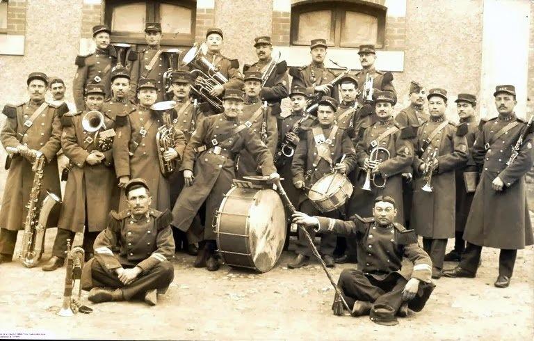 La Musique du 125ème Régiment d'infanterie de Poitiers (Canal blog : l'histoire du 125è) (site rp.archivesmusiquefacteurs)