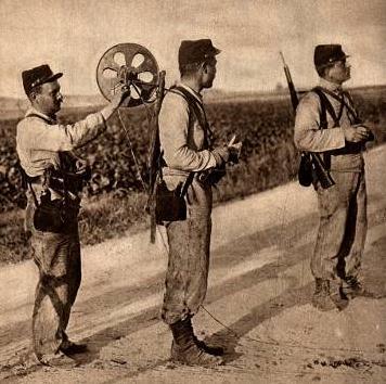 Sapeurs télégraphistes - poseurs de lignes filaires pour le télégraphe (site voyageurs-du-temps.fr)