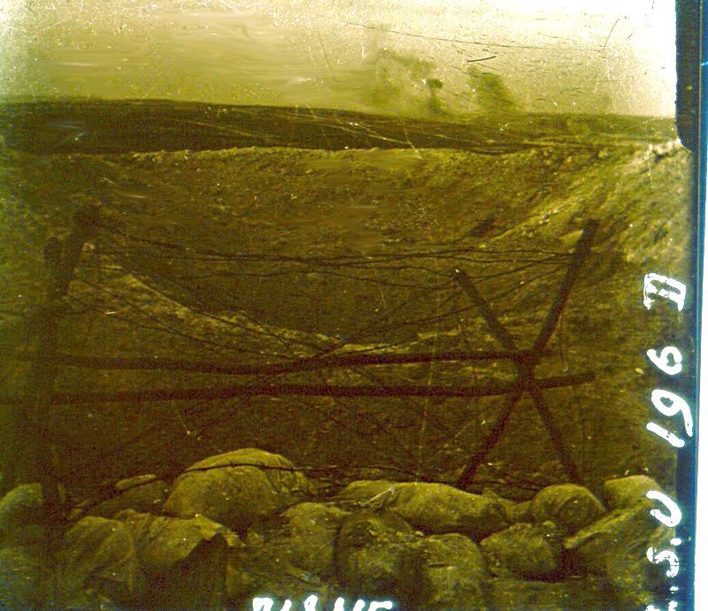 Un entonnoir dans l'Aisne (site premiere-guerre-mondiale-1914-1918.com)